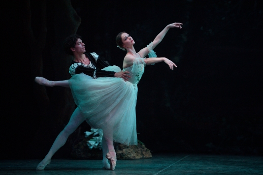 Jurgita Dronina as Giselle and Isaac Hernandez as Albrecht in Skeaping's Giselle © Laurent Liotardo (5) (1)