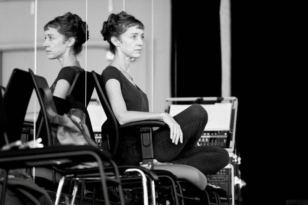 Cathy rehearsing Les Grands Ballet Canadiens - Image by Sasha Onyshchenko