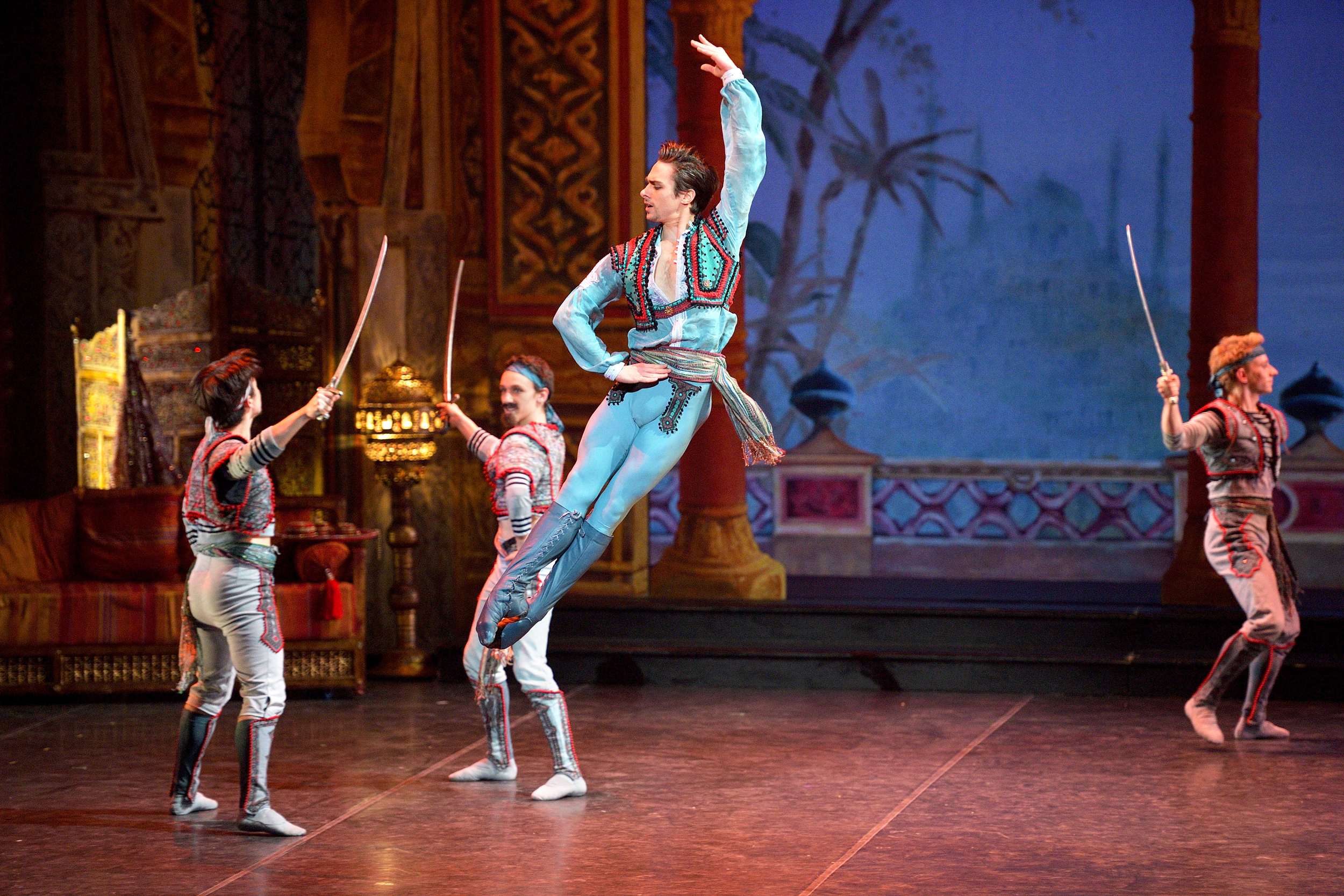 Francesco-Gabriele-Frola-as-Conrad-in-English-National-Ballets-Le-Corsaire-c-Laurent-Liotardo